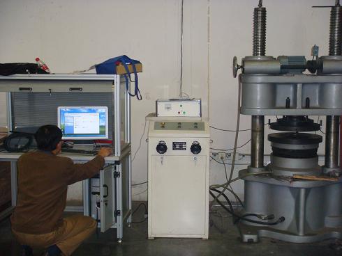 Kompletní testovací stroj s výkonem těsnění